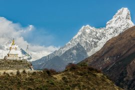 Everest View Trek, spectacular view of Ama Dablam with the stupa in the foreground