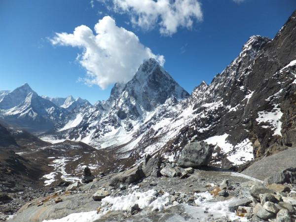 Create a walking plan to walk in the Everest region