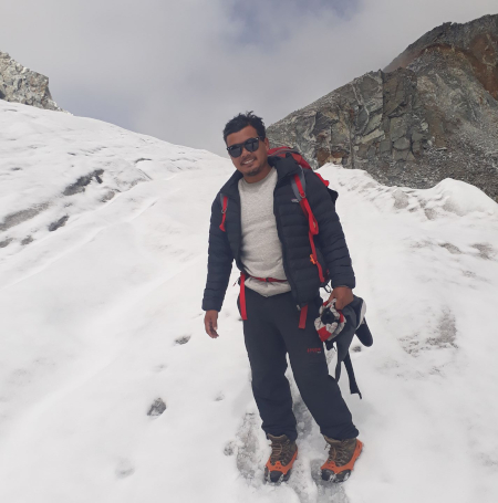 Professional Trekking Guide in Nepal - Buddhi in the snow