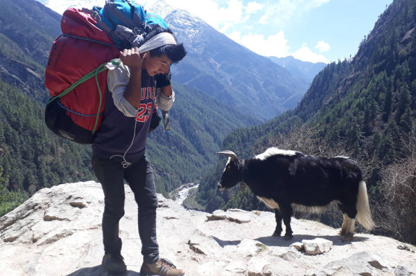 Customised private treks in Nepal: Don't make others pay